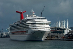 Cruise ship Carnival Valor